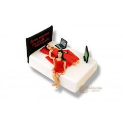 Tort w kształcie łóżka