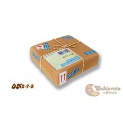 Tort w kształcie paczki pocztowej
