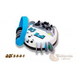 Tort dla DJ-a z mikserem audio i słuchawkami