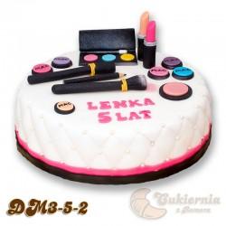 Tort z kosmetykami do makijażu